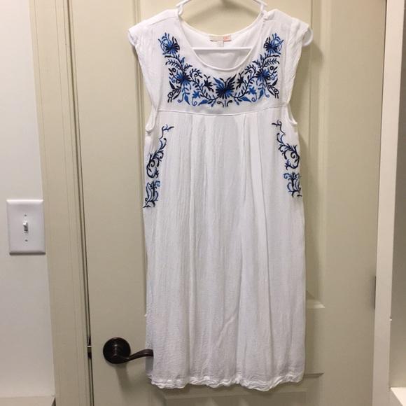 Dresses Gb From Dillards White W Blue Embriodery Size S Poshmark